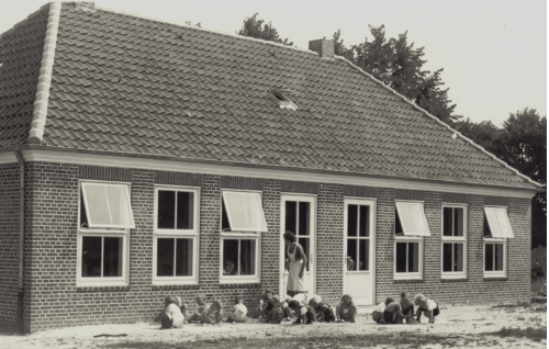 Der DRK-Kindergarten Am Burgplatz im Jahr 1953